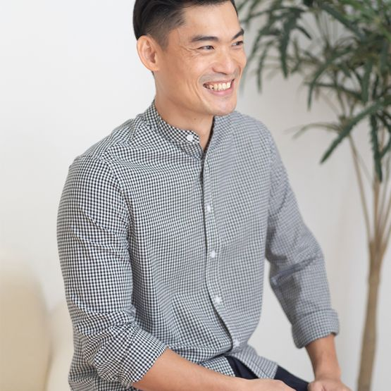 *New* Personalisable Men's Long Sleeved Shirt in Black Gingham