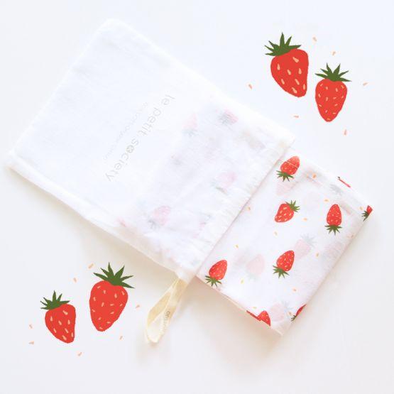 *Bestseller* Organic Muslin Swaddle - Strawberries