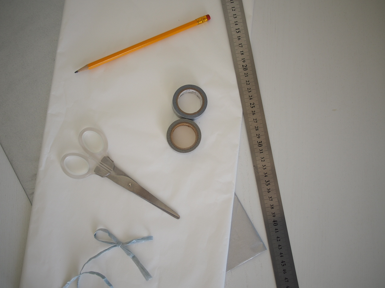 DIY :: Tissue Paper Tassels